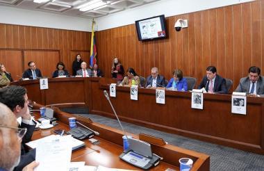 Vista del debate por los asesinatos de candidatos en las regionales.