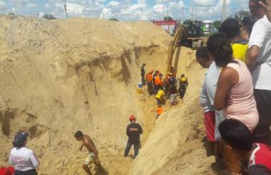 Un muerto y tres heridos dejó el accidente laboral en Santo Tomás.