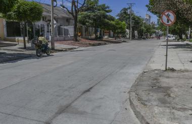 Vía reparcheada en la calle 51 entre carreras 41 y 43.