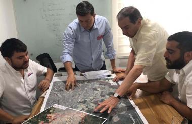 Torres con Pumarejo y Fuad y Arturo Char.