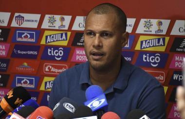 Roberto Peñaloza (A.T).