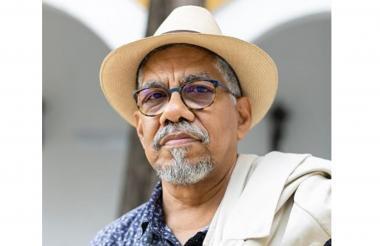 El poeta bolivarense Rómulo Bustos.