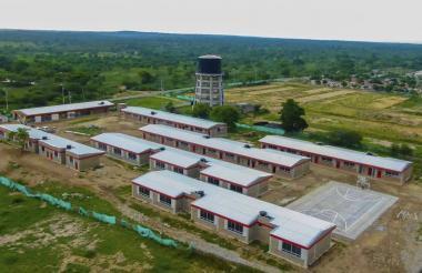 Panorámica aérea del colegio en Candelaria.