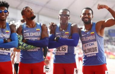 Equipo de Colombia en masculino 4x400 metros.