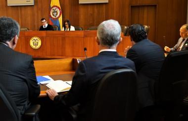 El Senador Uribe Vélez durante la audiencia.