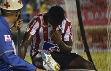 Edwuin Cetré se lamenta tras sufrir una nueva lesión.