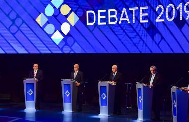 Los seis candidatos a la Presidencia en el debate.