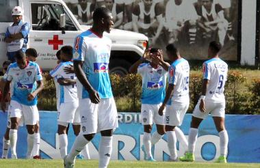Daniel Moreno celebra su gol con sus compañeros.