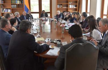 Momento de la reunión en la Vicepresidencia.