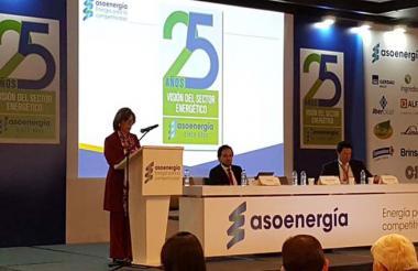 La presidente de Asoenergía, María Luisa Chiappe, durante su intervención en el foro del gremio.