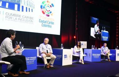 De izquierdo a derecha: Bruce Mac Master, Amaury de la Espriella, Imelda Restrepo y Juan D. Mejía.
