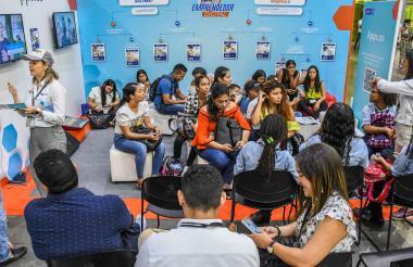 Emprendedores que tomaron parte del encuentro Colombia 4.0 realizado en Barranquilla.