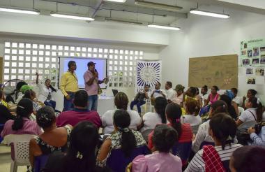 Las víctimas del conflicto armado durante su participación en el acto realizado en la Casa de Cultura.