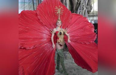 Como 'La naturaleza dorada' desfilará la candidata Miss Puerto Rico Madison Anderson durante la presentación de trajes nacionales en el marco del concurso Miss Universo.