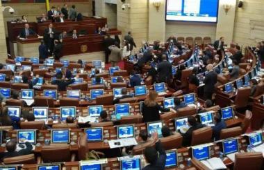 Durante un debate en el Congreso de la República.