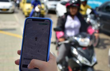 Las plataformas ofrecen en tiempo real seguimiento al vehículo.