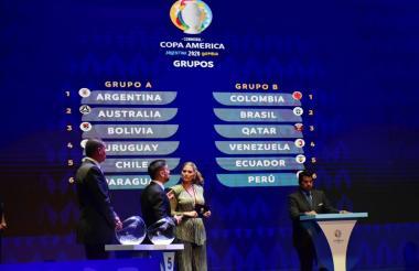 Momentos del sorteo de la Copa América 2020 en el Centro de Convenciones de Cartagena de Indias.