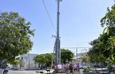 La torre de telecomunicaciones está ubicada en la carrera 8C con calle 40.