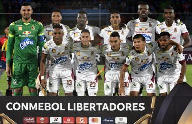 Deportes Tolima que disputó la Copa Libertadores en el primer semestre de 2018. Arriba: Montero, Robles, Pérez, Banguero, Quiñones y Mosquera. Abajo: Castrillón, Castro, Gordillo, Carrascal y González.