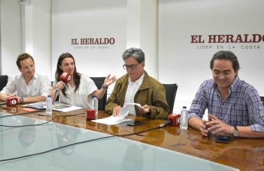 La consejera para las regiones Karen Abudinen, el ministro Alberto Carrasquilla y el viceministro de Hacienda, Juan Alberto Londoño, en visita a EL HERALDO.