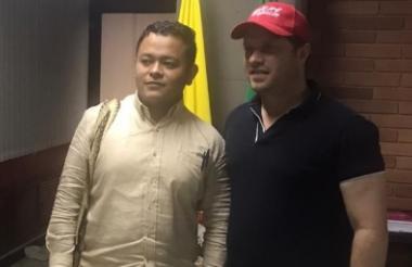 Yubanquis Rosario y el gobernador Héctor Espinosa.