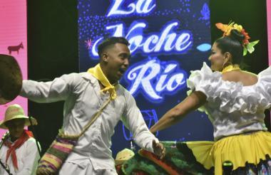 La Fundación Folclórica La Original de San Bernardo durante La Noche del Río del año pasado.