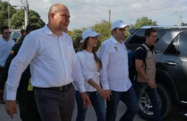 El gobernador de Bolívar, Vicente Blel, en la cumbre de alcaldes del departamento. Lo acompaña el mandatario de Santa Rosa del Sur, Fabio Orlando Mendoza.