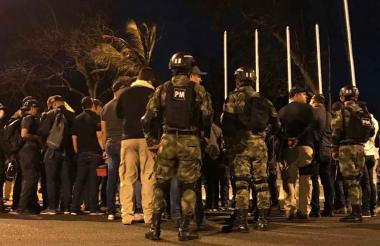 Miembros del CTI y Ejército previos al operativo en Las Gardenias.