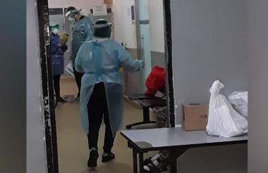 Miembros de la Secretaría de Salud realizan controles a presos en la URI.