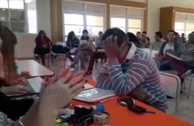 El hombre había participado en un concurso docente del Ministerio de Educación.