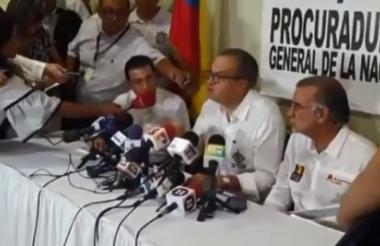 El procurador Fernando Carrillo durante la rueda de prensa en Barranquilla.