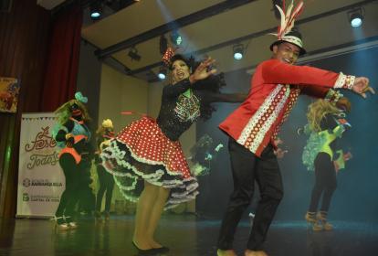 Julitza Gutiérrez y Jorge Pertúz, reyes centrales del Carnaval Gay 2017.