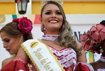 Angy Blanco, candidata a reina popular que fue elegida como reina de los periodistas ayer.