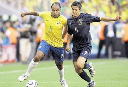 Emerson vistiendo la camiseta de la Selección de Brasil.
