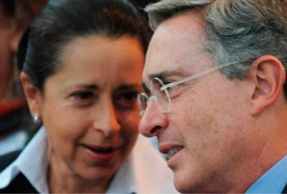 Imagen de archivo de Lina Moreno de Uribe y del expresidente Álvaro Uribe.