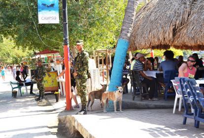Soldados del Batallón Córdova comenzaron, desde temprano, patrullajes en el balneario.