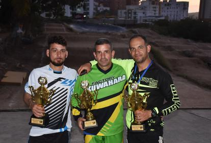 Erick Alzamora, Juan C. Carbó y Eduard Estrada.