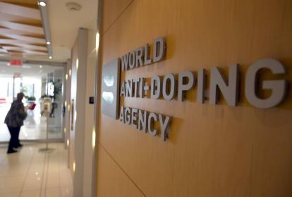 La Agencia Mundial Antidopaje (AMA) impuso la suspensión.