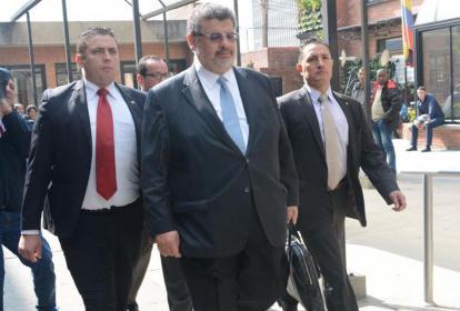 Jaime Granados, abogado de Laura Moreno, en su ingreso a Paloquemao.
