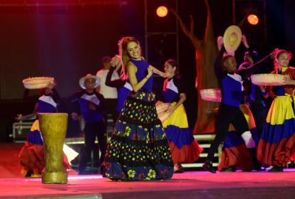 La reina del Carnaval 2017, Stephanie Mendoza Vargas, durante uno de sus ensayos previos a la coronación.
