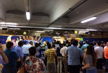 Llegada de los pasajero del vuelo 3134 al aeropuerto Ernesto Corissoz