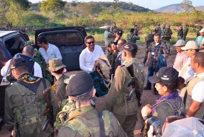 'Iván Márquez' y miembros del Bloque Caribe, en el Punto Transitorio en Pondores, La Guajira.
