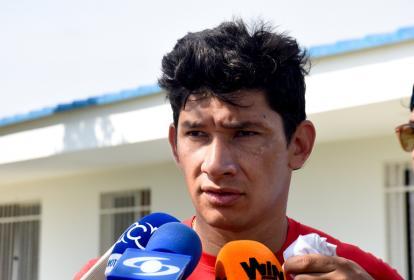 Roberto Ovelar, delantero paraguayo.