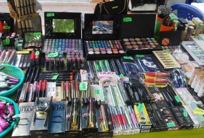 Punto de venta de maquillajes de marcas extranjeras ubicado en la calle 90 con carrera 46.