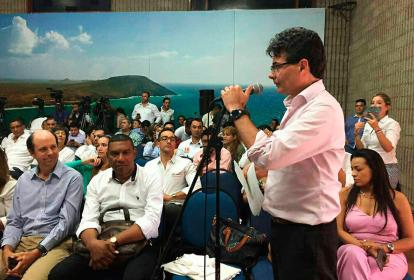 Alejandro Gaviria, ministro de Salud, durante el anuncio en La Guajira.