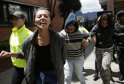 Llegaron al complejo judicial de Paloquemao, los 9 capturados por el atentado en el centro comercial Andino.