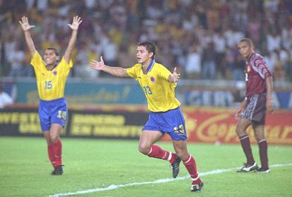 Así festejó Wílmer Cabrera el gol que anotó ante Venezuela en  1997, que le dio a Colombia el tiquete al Mundial de Francia 98.