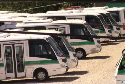 Cuatro busetas de Sibus están retenidas por embargo en un parqueadero de la Fiscalía en Sincelejo.
