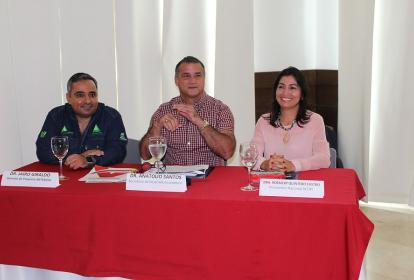 Jairo Giraldo, director proyecto Artemisa; Anatolio Santos, secretario de Desarrollo, y Rosmery Quintero, presidenta de Acopi.