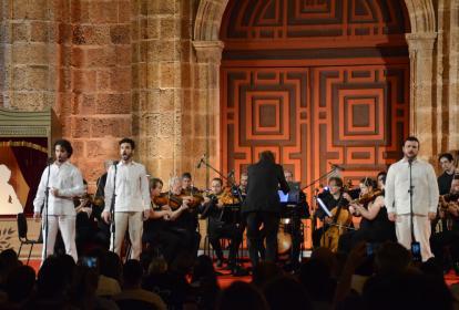 Presentación de la Orquesta en la Plaza San Pedro Claver, en Cartagena.